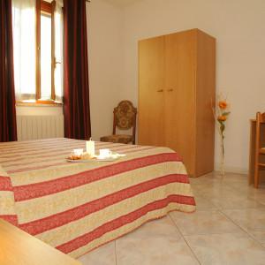 Bedroom 8 (4)